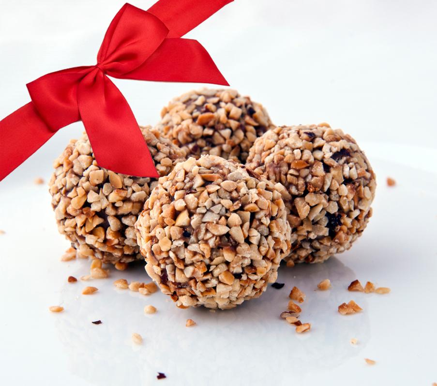 Raworganix-Pecan-Chocolate-Balls